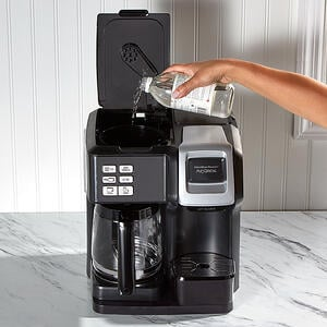 how-to-clean-your-coffee-maker-vinegar-800x800