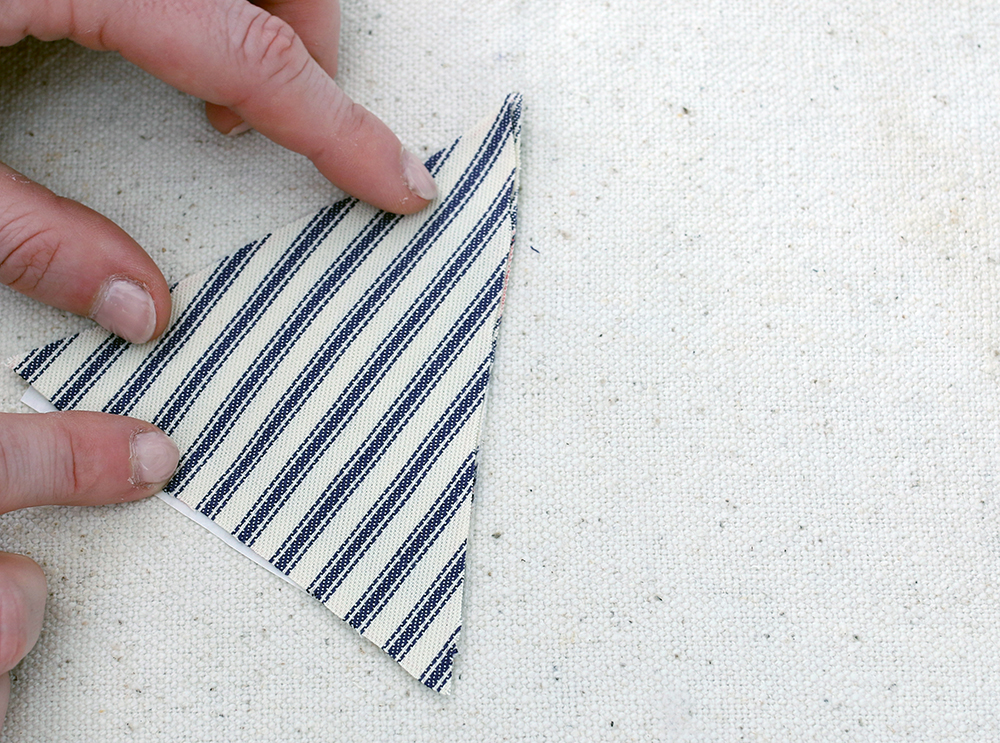 Center Stage: No-Sew DIY Scented Sachets with 17 Apart | #Durathon