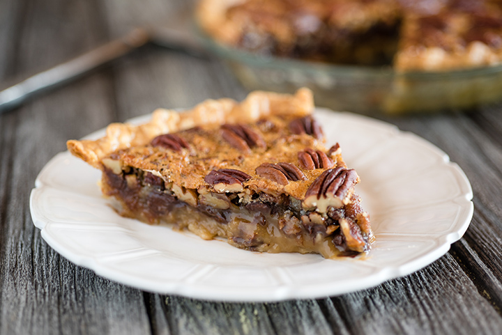 Bourbon Chocolate Pecan Pie | @hamiltonbeach