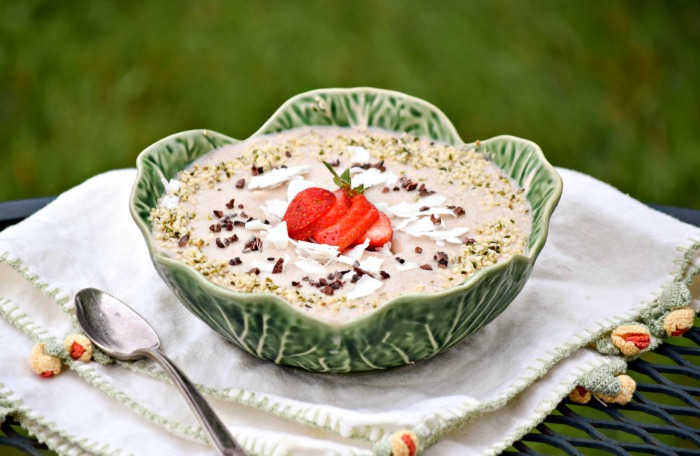 Coconut Chai Smoothie Bowl