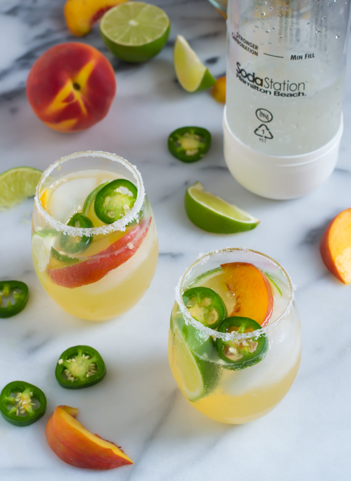 Fizzy Jalapeño Peach Margaritas with the @hamiltonbeach SodaStation Home Carbonator on Everyday Good Thinking with  @lawstudentswife