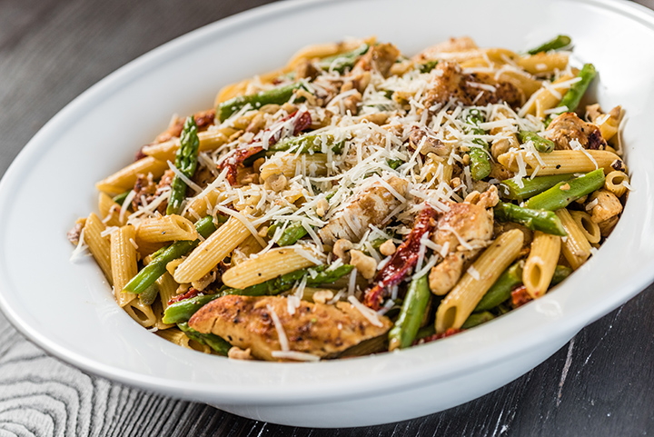 Pasta with Asparagus and Chicken