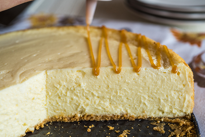 Roaster Oven Cheesecake with Caramel Topping
