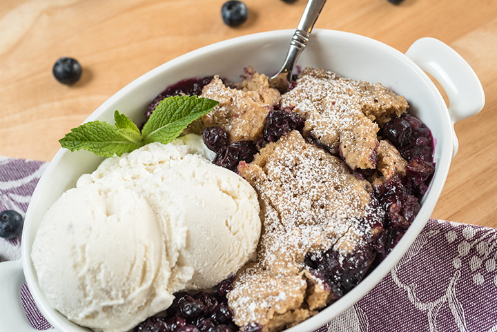 Slow Cooker Blueberry Cobbler