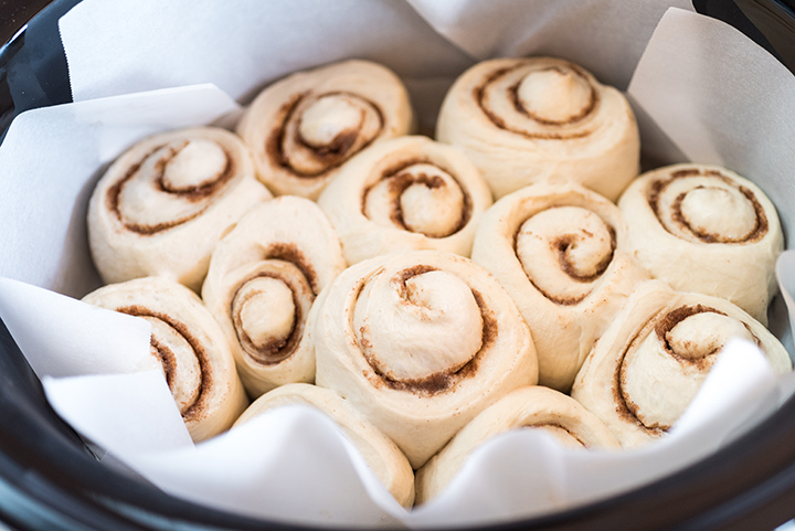 Slow Cooker Overnight Cinnamon Rolls