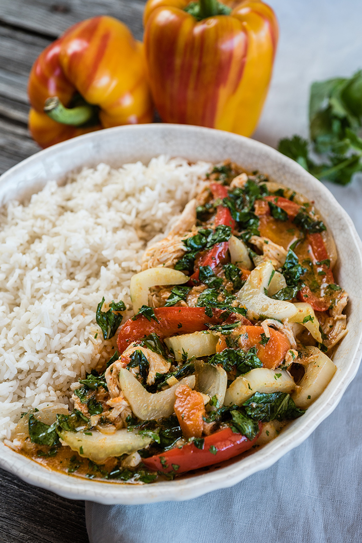 Slow Cooker Thai Coconut Curry with Chicken
