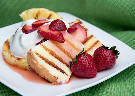 Grilled Angel Food Cake with Strawberries form Everyday Good Thinking | @HamiltonBeach