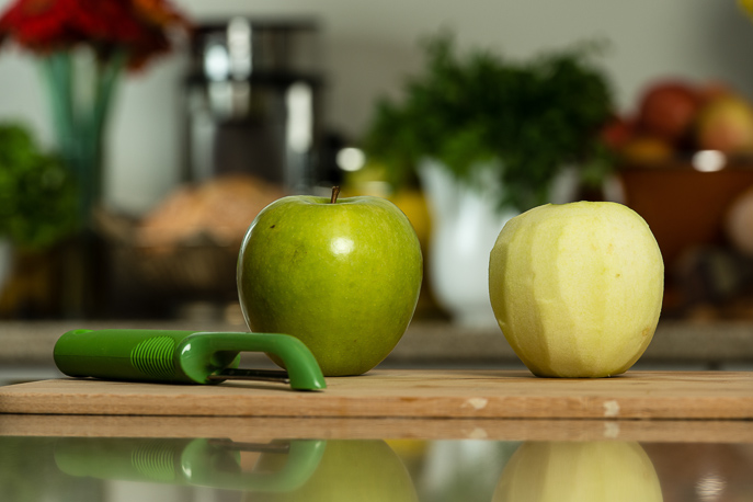 How to Core an Apple from Everyday Good Thinking, the official blog of @HamiltonBeach