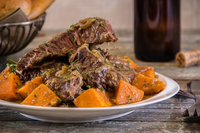 Oktoberfest Pot Roast is the perfect pot roast for fall/autumn weather! From Everyday Good Thinking, the official blog of @hamiltonbeach