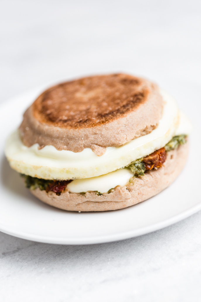 Pesto Sun-Dried Tomato Mozzarella Egg Breakfast Sandwich (made in the Breakfast Sandwich Maker) from Everyday Good Thinking, the official blog of @hamiltonbeach
