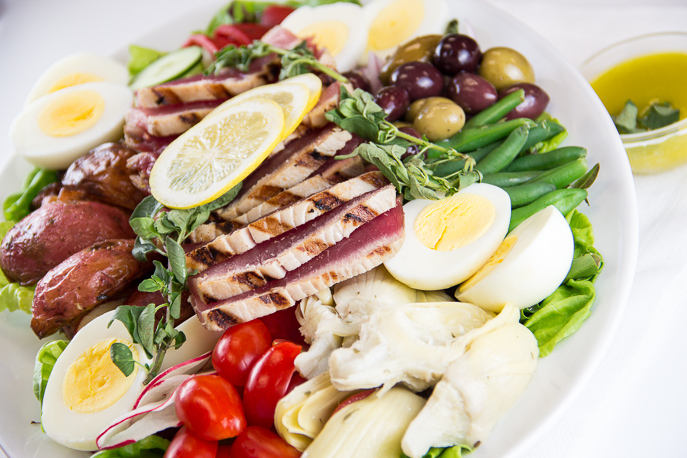 Nicoise Salad with Grilled Tuna from Everyday Good Thinking by @hamiltonbeach