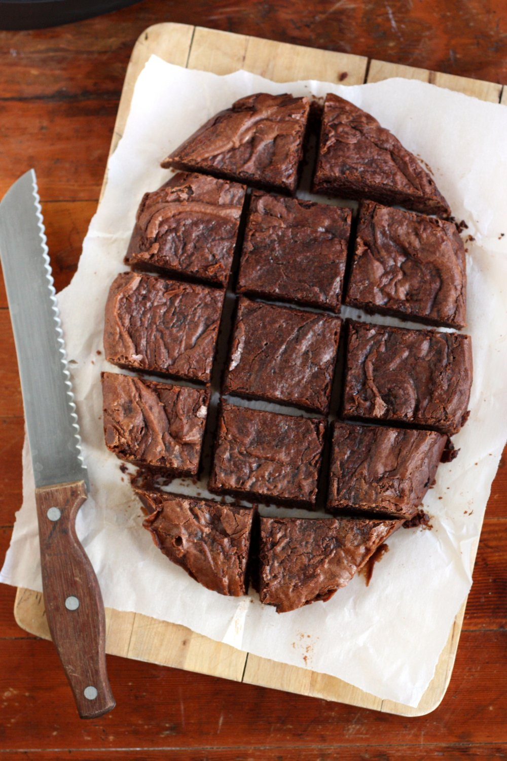 Center Stage: Slow Cooker Chocolate Fudge Brownies from Completely Delicious on Everyday Good Thinking, the official blog of @HamiltonBeach