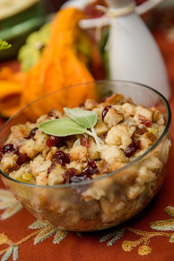 Slow Cooker Herb and Cranberry Stuffing | @hamiltonbeach