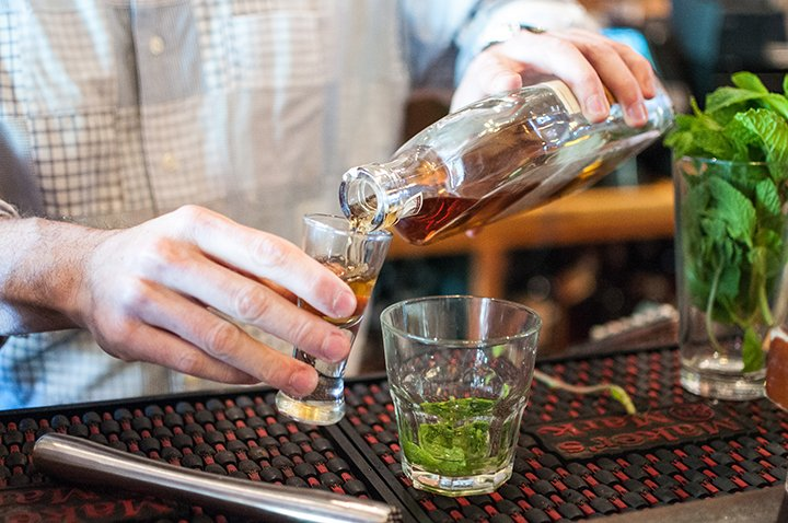 Three Ways with Mint Juleps with McCormack's Whisky Grill from Everyday Good Thinking by @hamiltonbeach