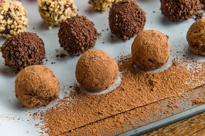 Valentine's Day No-Bake Chocolate Truffles from Everyday Good Thinking, the official blog of @HamiltonBeach